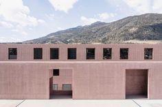 Carlana Mezzalira Pentimalli designs patterned concrete music school.