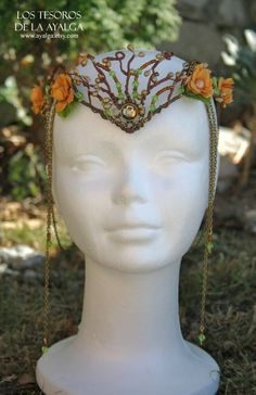 ~ woodland elf tiara ~ <---Eleniel's headdress that she wears to the new year's celebration in springtime.