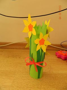 Narcise, lalele si ghiocei din hartie Origami, Diy And Crafts, Art, Art Background, Kunst, Performing Arts, Origami Art