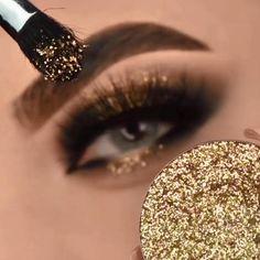 Smoke Eye Makeup, Halo Eye Makeup, Bridal Eye Makeup, Glitter Eye Makeup, Eye Makeup Steps, Eye Makeup Art, Skin Makeup, Eyeshadow Makeup, Makeup Glow