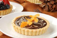 Koláčiky z krehkého cesta s fialkovým želé a čokoládou - Recept pre každého kuchára, množstvo receptov pre pečenie a varenie. Recepty pre chutný život. Slovenské jedlá a medzinárodná kuchyňa