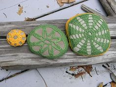 On A Branch: covered stones - design and color inspiration Crochet Stone, Crochet Lace, Weekend Crafts, Rock Crafts, Color Inspiration, Pot Holders, Crocheting, Hooks, Stones