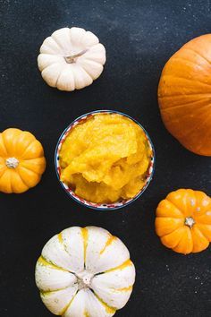 We're going back to basics with a DIY pumpkin purée. Learn how to make your own to have on hand for all your Fall favorites. | via The Honest Company Blog