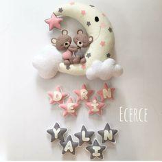 Login - Her Crochet Baby Crafts, Felt Crafts, Diy And Crafts, Crafts For Kids, Baby Mobile Felt, Felt Baby, Felt Wreath, Felt Garland, Baby Kranz