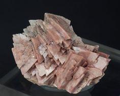 Genthelvite, Zn4Be3(SiO4)3S, China