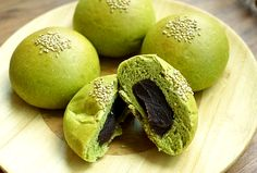 Green Tea Bread with Sweet Red Bean Paste(녹차 앙금빵) - aka things I wouldn't eat but my friends did in Korea