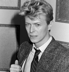 bild von david bowie all those beautiful boys pinterest david bowie helden und david. Black Bedroom Furniture Sets. Home Design Ideas