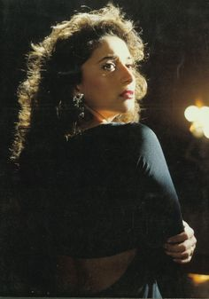 Bollywood Saree, Bollywood Fashion, Old Film Stars, Neha Sharma, Anamika Khanna, Dia Mirza, Vintage India, Beautiful Bollywood Actress, Kareena Kapoor Khan