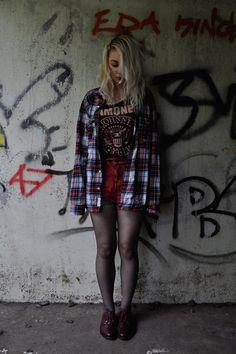 13 mulheres que ficaram lindas com a camiseta do Ramones – mas não devem saber bem quem foram