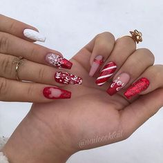 52 Trending Winter Nail Colors & Design Ideas - Hair and Beauty eye makeup Ideas To Try - Nail Art Design Ideas Nail Art Designs, Winter Nail Designs, Christmas Nail Designs, Colorful Nail Designs, Best Nail Designs, Disney Christmas Nails, Xmas Nails, Holiday Nails, Red Nails