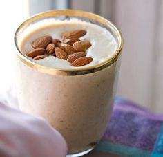 19. Banana Almond Smoothie    This sounds so rich, it would be perfect for dessert! The ingredients are simple, so it takes no time at all to get this weight loss …