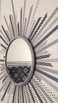 DIY // Mirroir rond + masking tape = miroir soleil graphique noir et blanc…