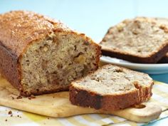 This Banana Nut Bread recipe won the blue ribbon at the Oklahoma State Fair. Its hard to beat this bread for rich banana flavor. Did know: Banana bread is a recipe rooted in American history? Moist Banana Bread, Banana Bread Recipes, Nut Bread Recipe, Baking Cookbooks, Quick Bread, Sweet Bread, Coffee Cake, Food To Make, Yummy Food