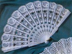 Roberta Crochet e Cia: Fans realizzati all'uncinetto Crochet Home, Love Crochet, Crochet Motif, Irish Crochet, Crochet Designs, Crochet Crafts, Crochet Doilies, Crochet Projects, Knit Crochet
