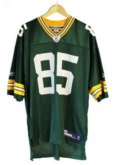 https://agoraclothing.com/shop/vintage/shirts/vintage-green-bay-packers-jersey.html 20$