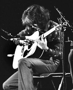 Guide to Barre Chords Larry Coryell, Best Rock, Barre, Good Music, Musicians, Jazz, Concert, Births, Guitars