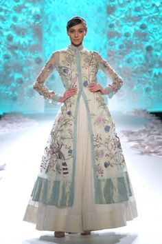 Indian Dresses, Indian Outfits, Indian Clothes, Indian Couture, Indian Ethnic Wear, Indian Style, Couture Week, Indian Designer Wear, Indian Fashion