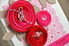 Great tutorial on how to roll felt flowers with die-cut.