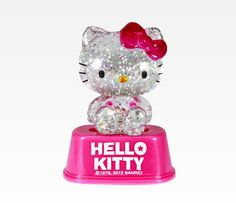 Hello Kitty Mini Light Up Snow Globe: Pink