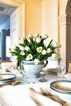 Белые тюльпаны к юбилею!