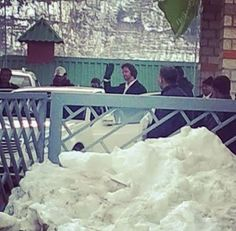 Hrithik spotted in #Manali as he heads out to shoot for Bang Bang!