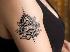 Our Henna Lotus Temporary Tattoo features the classic lotus flower design. This custom tattoo is perfect for yoga fanatics and every day use. - Tattoo Size x - 2 Tattoos Included Maori Tattoos, Band Tattoos, Tattoos Bein, Neue Tattoos, Marquesan Tattoos, Top Tattoos, Badass Tattoos, Tribal Tattoos, Polynesian Tattoos
