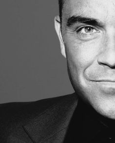 Robbie....... Black And White Prints, Black And White Portraits, Black White Photos, Robbie Williams Take That, The Power Of Music, Pop Rocks, Male Beauty, Girls Out, Music Artists