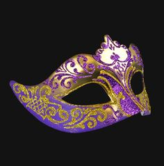 A special mask, richly finished with floral baroque accents.  A stylish seductive addition for every special situation.
