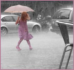We have shared a collection of Impressive Selective Color Photography Examples. If you are a frequent image editor this may help you with much more ideas. Rain Umbrella, Under My Umbrella, Walking In The Rain, Singing In The Rain, Rainy Night, Rainy Days, Rainy Mood, Umbrella Photography, Color Photography