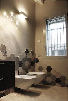 Classic style bathroom by alma design classic- Interior Design Ideas, Redecorating & Remodeling Photos Bathroom Styling, Bathroom Interior Design, Home Renovation, Home Remodeling, Bathroom Remodeling, Classic Style Bathrooms, Casa Milano, Tidy Room, Plafond Design