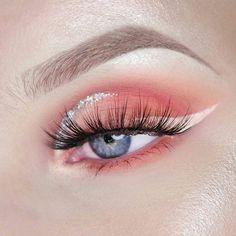 with eye makeup revolution eyeshadow palette nykaa makeup classes eyeshadow huda beauty makeup kit cost makeup for brown eyes tutorial for makeup eyeshadow looks makeup tutorials Makeup Eye Looks, Eye Makeup Art, Cute Makeup, Pretty Makeup, Skin Makeup, Eyeshadow Makeup, Beauty Makeup, Applying Eyeshadow, Glitter Eyeshadow