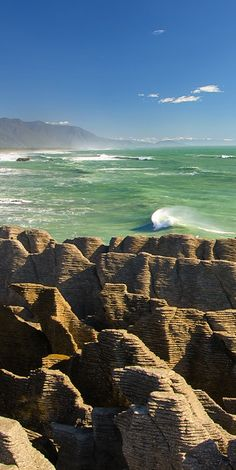 West Coast, New Zealand| Witness the weirdness of the Punakaiki Pancake Rocks and blowholes on the West Coast.
