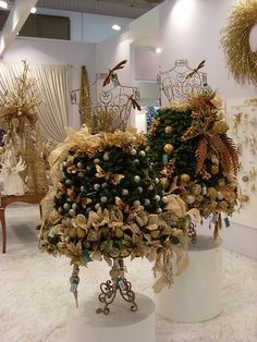 After Christmas is over, you can either go back to using the dress form to display clothing or jewelry or turn into something decorative for Valentine's Day, like this one. Description from blog.mannequinmadness.com. I searched for this on bing.com/images