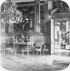 State rooms of the Tuileries Palace before 1871 - Salon Louis XIV. Architecture Parisienne, Paris Architecture, French Architecture, Old Paris, Vintage Paris, Louis Xiv, Old Pictures, Old Photos, Paris France