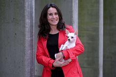 Carla Maia queria apenas encontrar uma namorada para Big, o seu cão chihuahua, mas acabou a criar uma rede social para todos os animais. Ao unir os bichos, a Agência Matrimonial Animal pode também juntar os donos