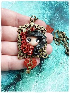 amulett kette-rote Rosen  von Marions Traumlädchen auf DaWanda.com