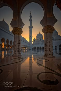 Light Fantastic by julian john on Mosque, Abu Dhabi, United Arab Emirates Beautiful Mosques, Beautiful Buildings, Beautiful Places, Beautiful Pictures, Mecca Wallpaper, Islamic Wallpaper, Mekka Islam, Images Esthétiques, Mecca Images