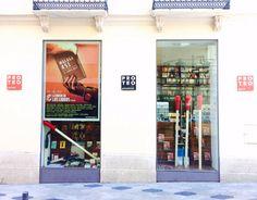 """Escaparatismo en las librerías con motivo de """"Malaga 451. La Noche de los Libros"""" organizado por Centro Cultural la Térmica. * Librería Proteo"""
