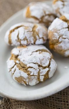 After just one bite of these delicious Caramel Crinkle Cookies, you'll fall in love! This quick and easy dessert recipe is great for bringing along to a party or whipping up for the next school bake sale. Everyone is sure to love this tasty recipe.