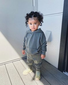 𝐒í𝐞𝐧𝐚 𝐏𝐫𝐞𝐬𝐥𝐞𝐲 𝐒𝗺𝐢𝐭𝐡 (@sienapresley) • Instagram photos and videos Presley Smith, Mommy And Me Outfits, Blusher, Siena, Unity, Kids Fashion, Street Wear, Let It Be, Photo And Video