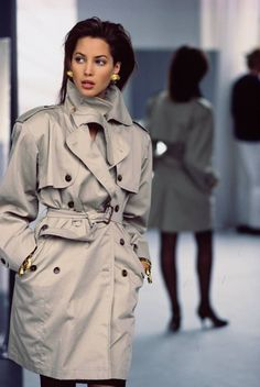 supermodels Christy Turlington wearing Gaultiers mini-trench for Vogue in 1987 Outfits Casual, Grunge Outfits, Grunge Fashion, 80s Fashion, Fashion Models, Vintage Fashion, Fashion Outfits, Korea Fashion, Timeless Fashion