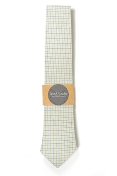 This tie is made with a cut across the fabrics width, not on the bias that is why the selvedge is seen on the back of the tie as an important element of it. Machine sewing one by one with a propper interlining to give flexibility to the necktie and an elegant knot with no wrinkles but always a casual style. This listing is for a 2.5 tie wide at its widest point and 56.5 long.  Composition 100% Cotton 100% Cotton musling lining  Care Hand Wash / Wash (40°C)  Orders with more than 4 Neckt...