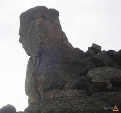 România este Inima Ocultă a Terrei – Cronopedia ~ club de scriere literar-artistică Mount Rushmore, Ale, Lion Sculpture, Statue, Artist, Ale Beer, Artists, Sculptures, Ales
