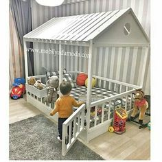 Lit montessori - Le Montessori - BabyCenter - My CMS Baby Bedroom, Baby Room Decor, Nursery Room, Kids Bedroom, Chic Nursery, Girl Nursery, Big Girl Rooms, Baby Boy Rooms, Baby Cribs