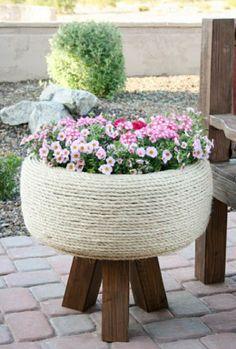 Σπίτι και κήπος διακόσμηση: Δημιουργικές συμβουλές κηπουρικής: Γλάστρες από παλιά ελαστικά αυτοκινήτων