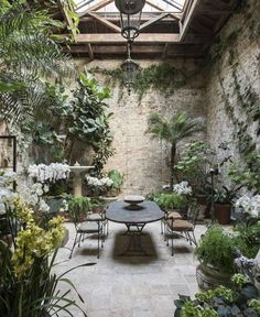 Interior garden - Indoor courtyard Are we jealous or what 👀 London designer Rose Uniacke transformed this indoor gallery at her home into a dreamy… – Interior garden Outdoor Rooms, Outdoor Gardens, Outdoor Living, Outdoor Decor, Indoor Outdoor, Formal Gardens, Outdoor Seating, Outdoor Ideas, Indoor Courtyard