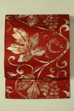 Red fukuro obi / メノウ色地 武道唐草柄 六通袋帯 #Kimono #Japan http://www.rakuten.co.jp/aiyama/