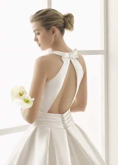 Designer Rosa Clará creates dreamy wedding and evening gowns for women seeking that elusive blend of elegance, allure and sophistication. Rosa Clara Wedding Dresses, Bridal Dresses, Wedding Gowns, Bridesmaid Dresses, Wedding Dress Bow, Wedding Tuxedos, Weeding Dress, Dress Backs, Evening Gowns