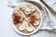 FIT omlet - jeśli uważasz, że zdrowe śniadania to kromka chleba z twarożkiem, to chyba nie próbowałeś tego... ! To jest niebo! Camembert Cheese, Pancakes, Healthy Recipes, Healthy Food, Dinner, Fitness, Breakfast Ideas, Diet, Healthy Foods