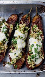 Chermoula Aubergine With Bulgur and Yogurt. Chermoula is a mixture of spices used in North African cooking. Here it's rubbed over aubergine, which is then roasted and topped with a Middle Eastern salad of bulgur wheat and herbs, like tabbouleh. Vegetarian Recipes, Cooking Recipes, Healthy Recipes, Yogurt Recipes, Uk Recipes, Comida Israeli, Aubergine Recipe, Vegetarian Thanksgiving, Thanksgiving Table